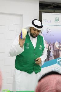 زيارة طلاب قسم إدارة أعمال الحج والعمرة لجمعية هدية الحاج والمعتمر