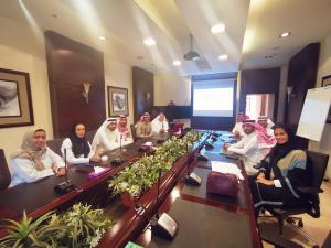 وفد من الهيئة السعودية للتخصصات الصحية يزور كلية طب الأسنان