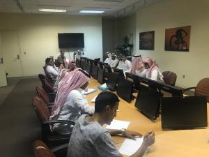 لجنة برنامج الماجستير بقسم التربية البدنية بكلية التربية تجتمع  بالباحثين