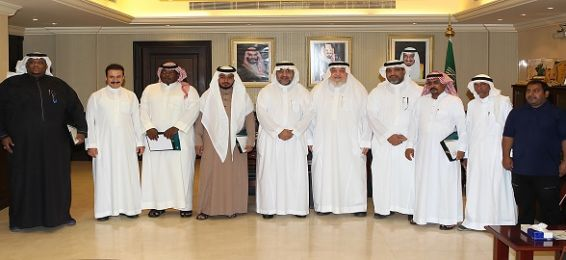 UQU Vice President Honors the English Language Center Employees