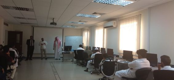 E-Learning Deanship Holds a Training Course on the Use of the E-Learning Portal at Makkah Community College