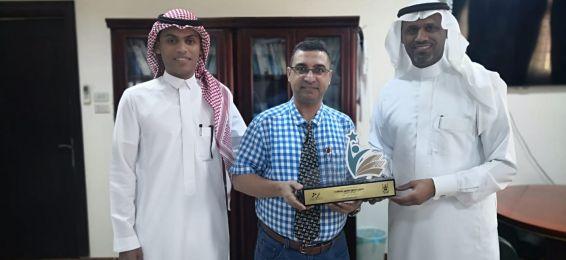 سعادة الدكتور حسين محمود يتوَّج بجائزة التعلم الإلكتروني