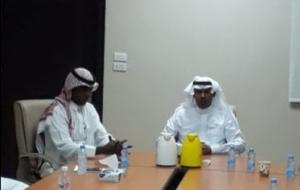 The Dean of the College of Engineering in Al-Qunfudhah Meets with the College Employees