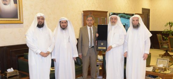 UQU President Receives Director of Mass Communication Research Center  of Jamia Millia Islamia in India