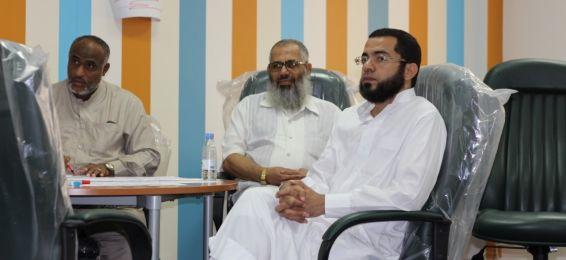 معهد اللغة العربية يشارك باثنين من الأساتذة في الدورة التدريبية (أيامن)