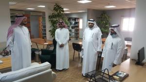وكيل عمادة شؤون المكتبات لشؤون الفروع يزور كلية العلوم الصحية بالليث