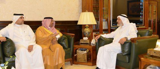 معالي مدير الجامعة يستقبل رجل الأعمال وسفير النوايا الحسنة فهد الجوفي
