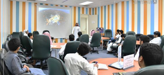 Deanship of Student Affairs Organizes a Course in Cooperation with the Media Center Entitled: 'Photography' for the 11th Scientific Meeting