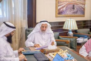 His Excellency the President of Umm Al-Qura University Approves the Promotion of 433 Employees