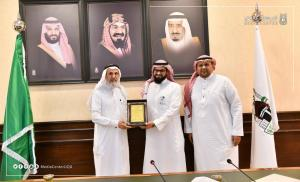 The UQU President Receives the Annual Report of the College of Applied Medical Sciences