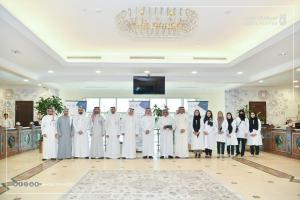 Umm Al-Qura University Honors a College of Dentistry Student for Her Excellence in the SCHS Exam