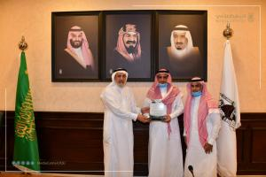 UQU President Honors Members of the Permanent Higher Committee for Curricula and Study Plans at the University