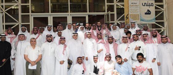 معالي مدير الجامعة يطلع على مشاريع تخرج  طلاب العمارة الاسلامية