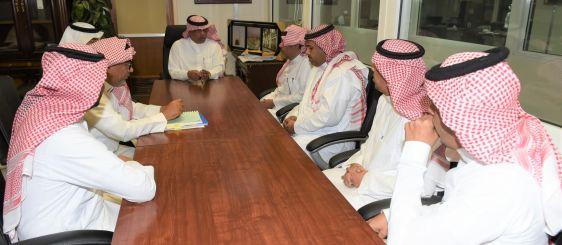 El rector visita la Dirección de Asuntos del Profesorado y de Empleados