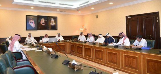 اللجنة العليا للاعتماد المؤسسي تعقد اجتماعاً لها