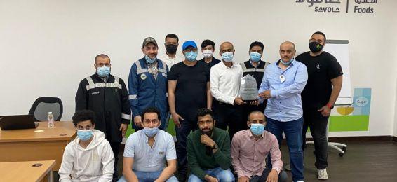 سعادة أعضاء هيئة تدريس وطلاب قسم الهندسة الصناعية بالقنفذة يزورون الشركة المتحدة للسكر