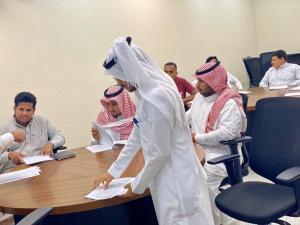 قسم التربية وعلم النفس بالقنفذة يقيم محاضرة بعنوان: (أسس المناهج الدراسية ونظام التعليم)