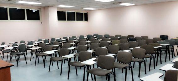 عميدة الدراسات الجامعية للطالبات تتفقد جاهزية القاعات الدراسية